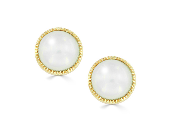 Mabe pearl earrings in 18k yellow gold.