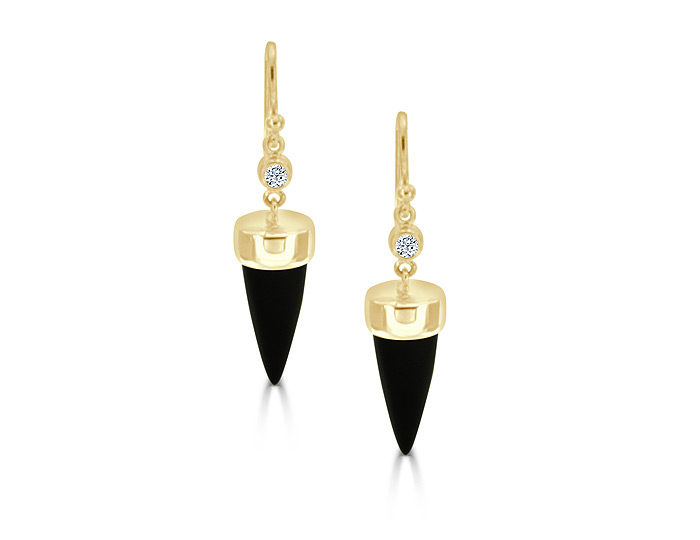 Black onyx and round brilliant cut diamond earrings in 18k yellow gold.