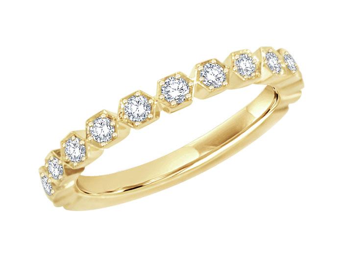 Round brilliant cut diamond band in 18k yellow gold.