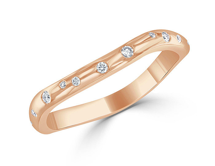 Round brilliant cut diamond stackable band in 18k rose gold.