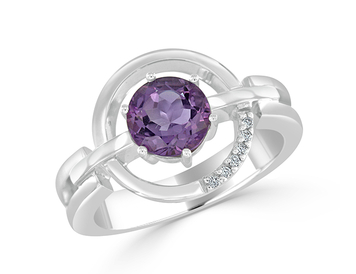 Amethyst and round brilliant cut diamond ring in 18k white gold.
