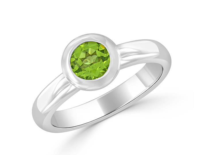 Peridot ring in 18k white gold.