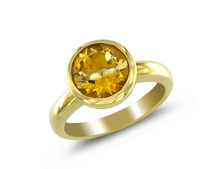 Citrine ring in 18k yellow gold.