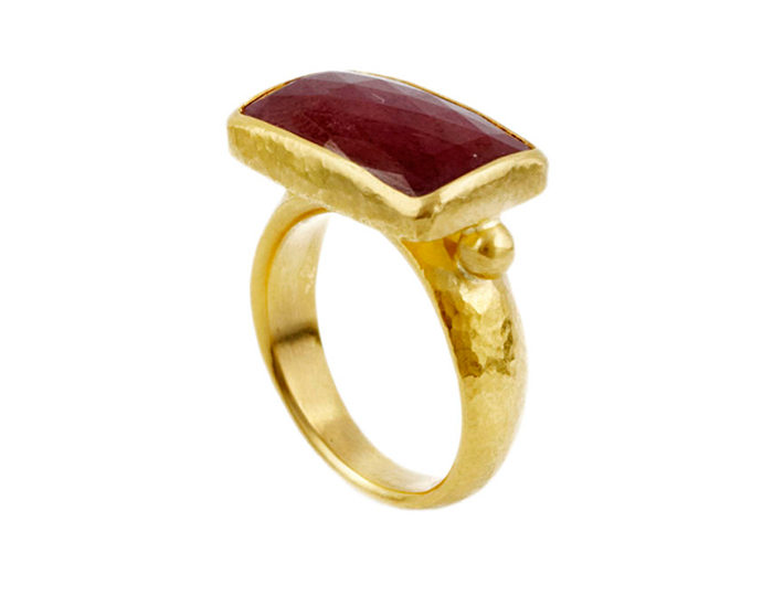 Gurhan one-of-a-kind ruby ring in 24k yellow gold.