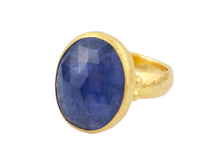 Gurhan one-of-a-kind tanzanite ring in 24k yellow gold.