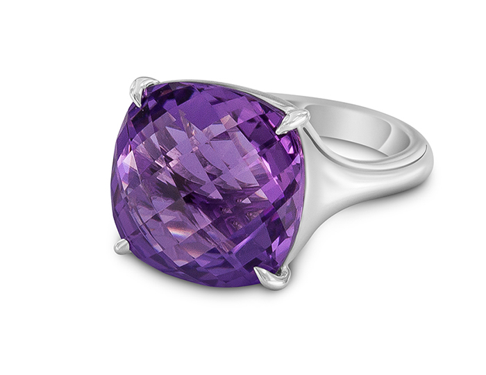 Carelle amethyst ring in 18k white gold.