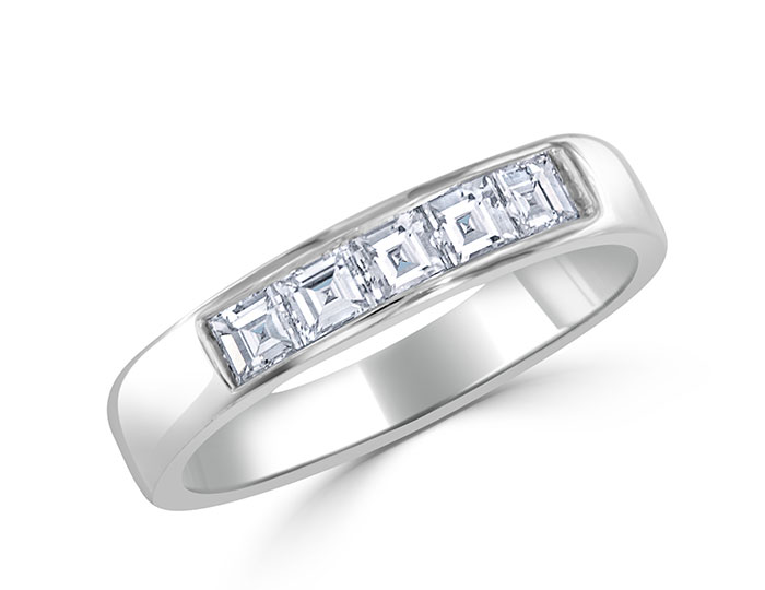 Carre cut diamond band in platinum.