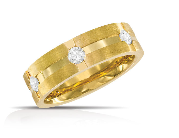 Men's round brilliant cut diamond wedding band in 18k yellow gold.