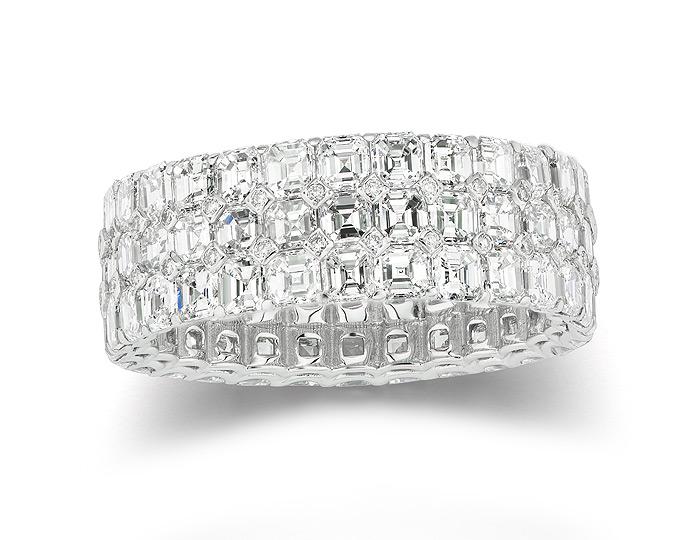 Bez Ambar asscher cut and round brilliant cut diamond band in 18k white gold.
