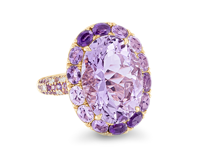 Amethyst and round brilliant cut diamond ring in 18k whtie gold.