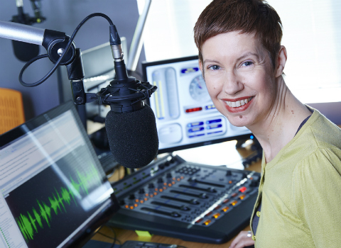 Share Radio Morning with Sarah Pennells