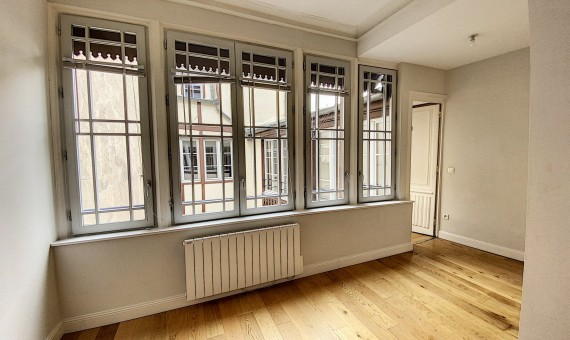 LOCATION-ECCHALONLOT4-PIERRE-DE-LUNE-LYON-Chalon-sur-saone-photo