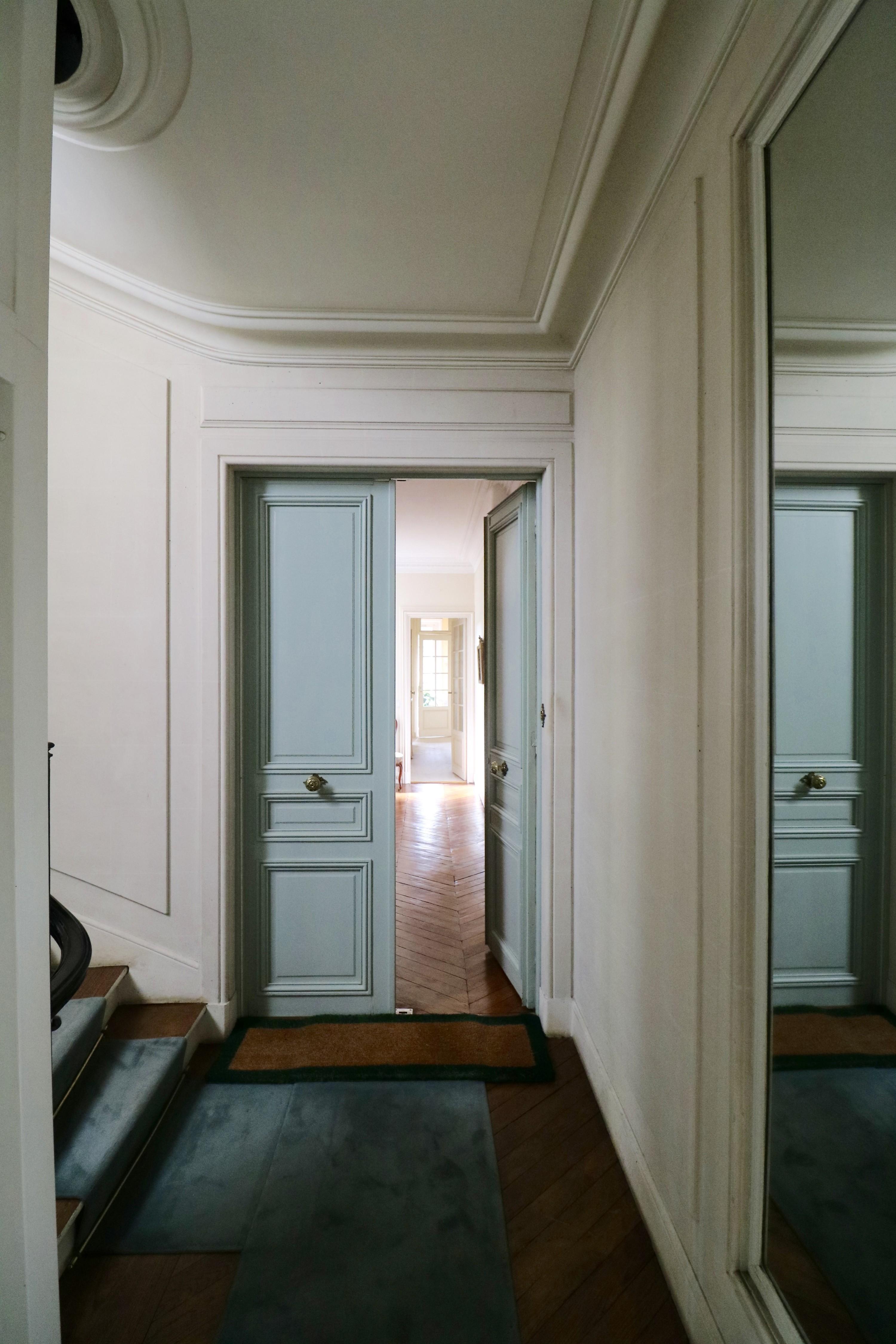 la-clef-des-villes-agence-immobiliere-paris-16-photo-appartement-la-muette-entree