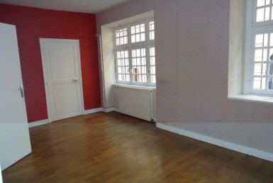 12672-nevers-Local-Commercial-LOCATION