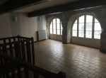 COM-LCN-53-208-valence-Local-Commercial-LOCATION-1