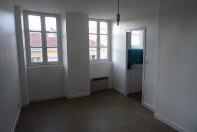 Far-2ixE8me-valence-Appartement-LOCATION