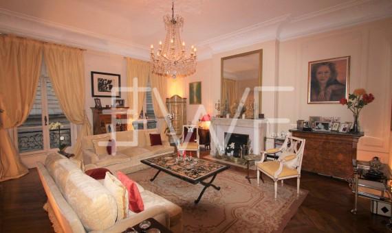 LOCATION-2047427-11904-Paris