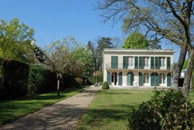 VENTE-585-LE-VESINET-France