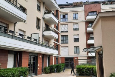 VENTE-684-COLOMBES-France