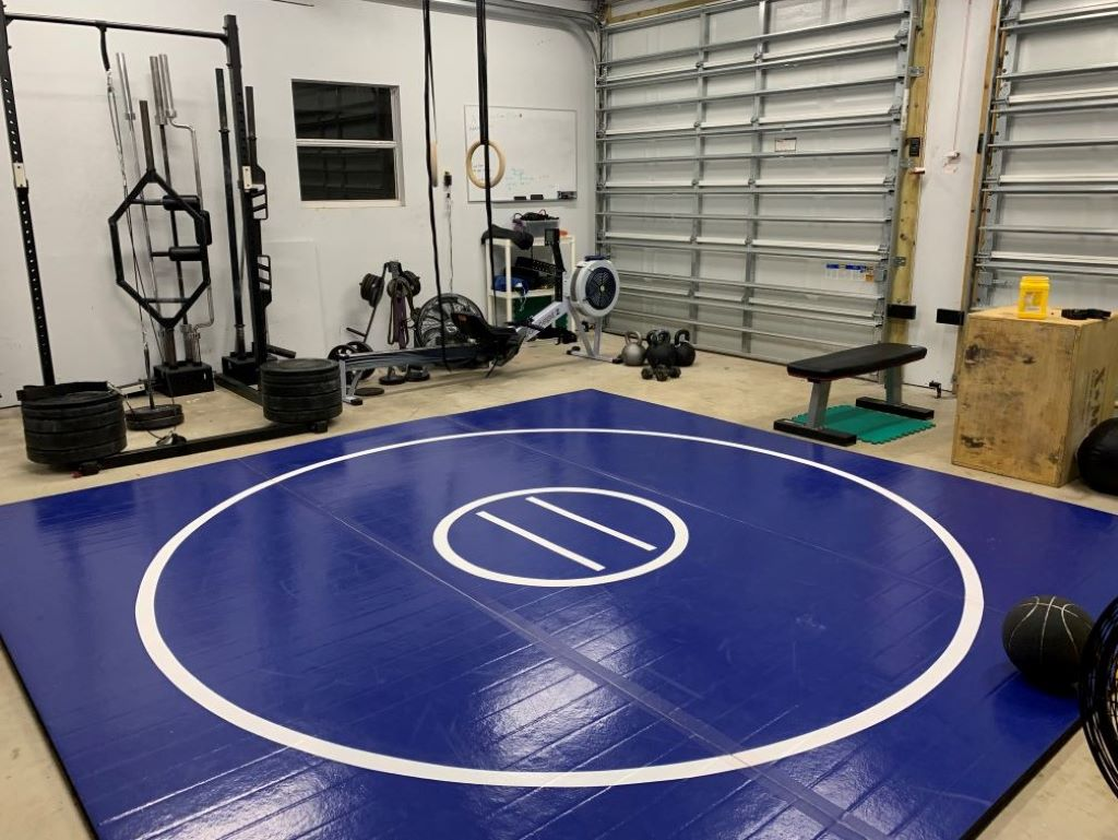 Home garage workout mat