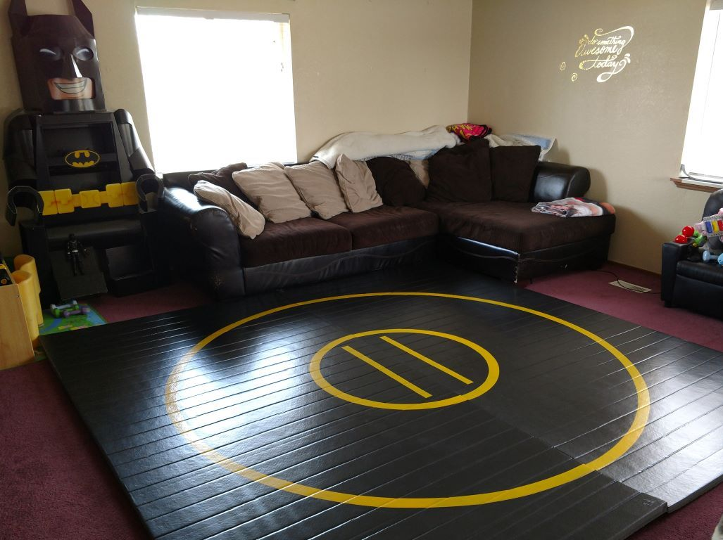 black home wrestling mats