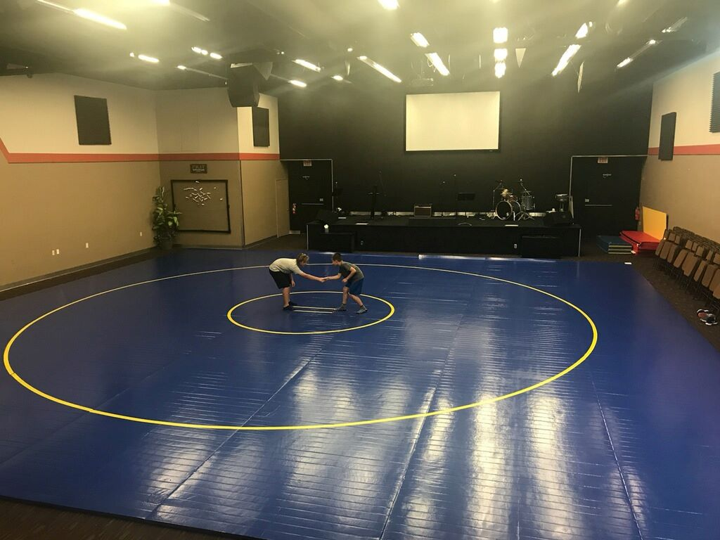 blue competition mat