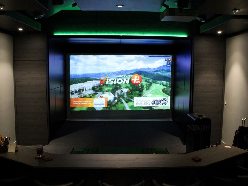 Man Cave Golf Simultor