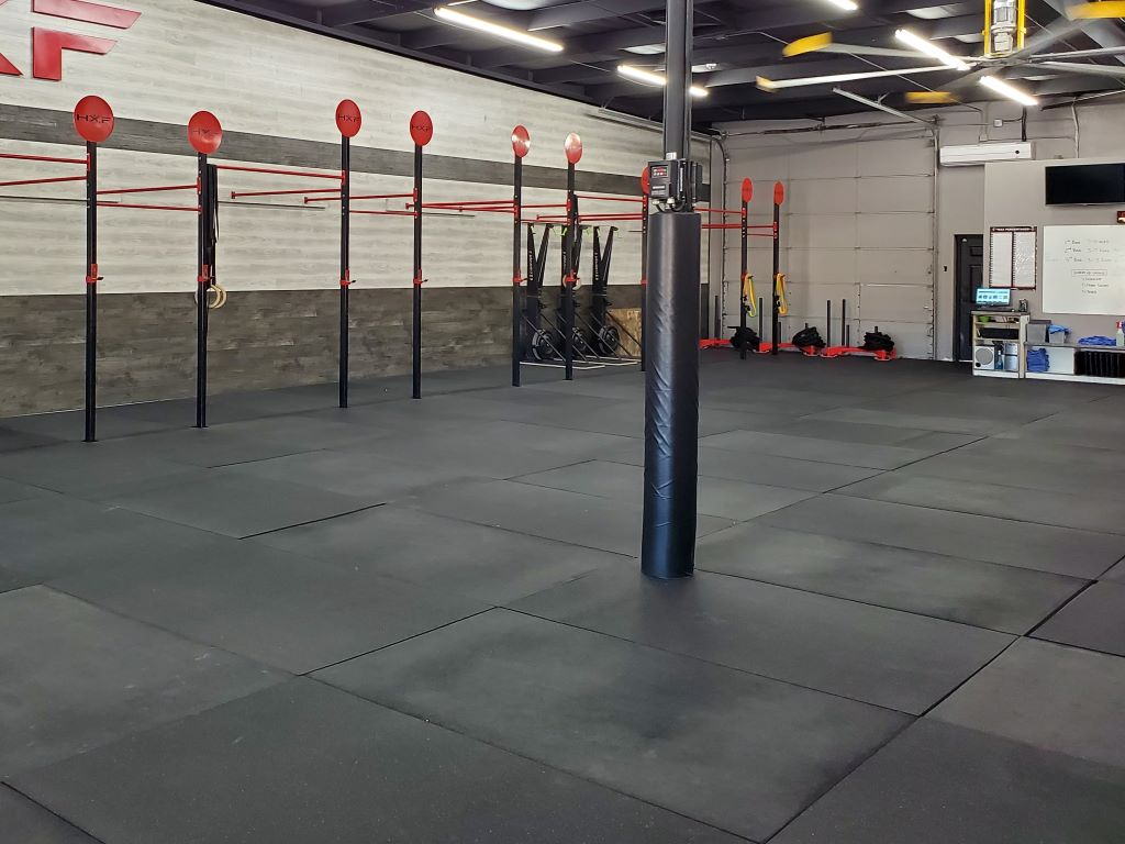 crossfit gym safety pole mat