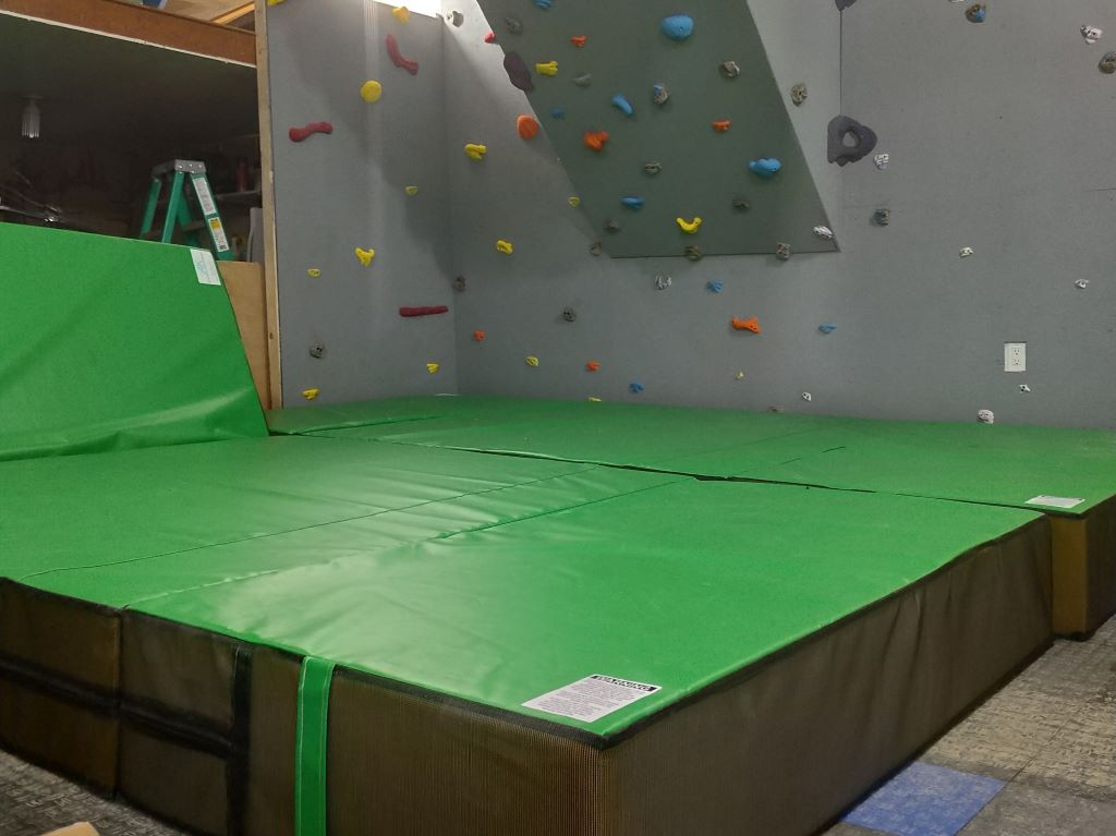 climbing wall crash pad lime green