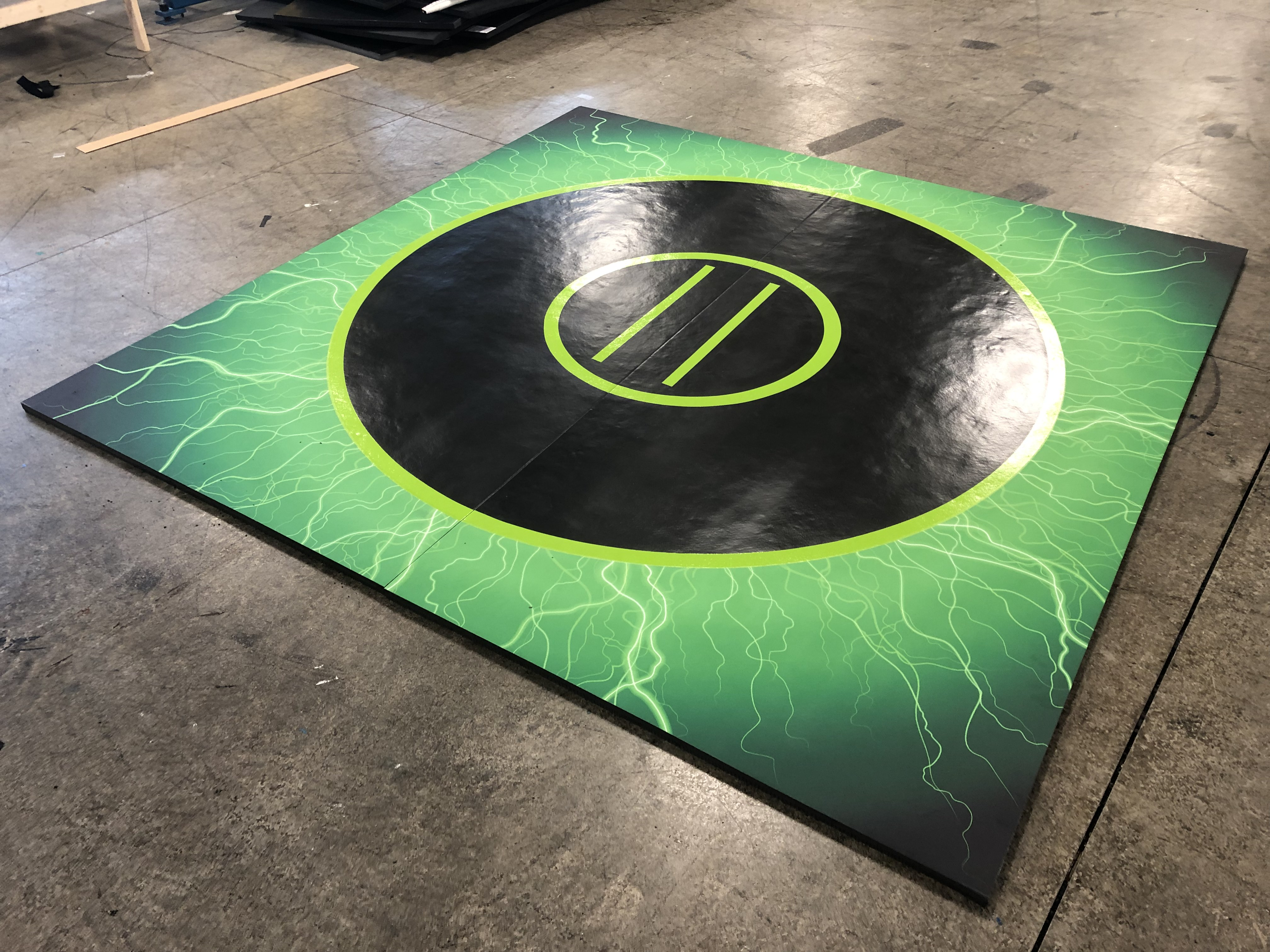 Green lightening grappling mats
