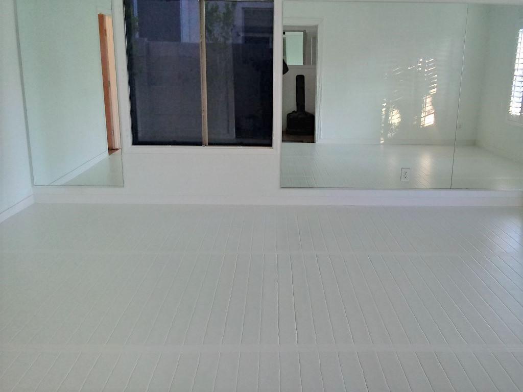 white jiu jitsu room