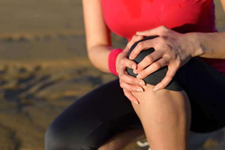 HOW AGING AFFECTS JOINT PAIN