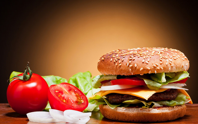 Bad food habits can lead to cancer: Nutritionist