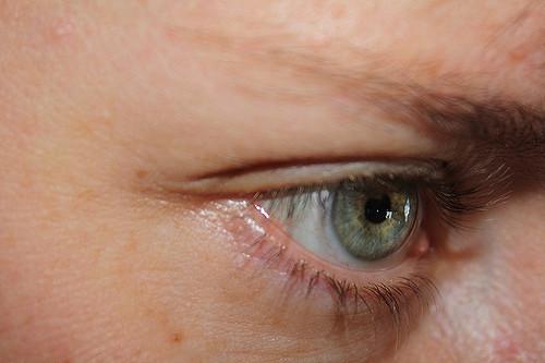 Digital strain takes toll on eyes: Study