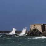 Thumb neil howard 06.06.17 waves hitting the breakwater on alderney