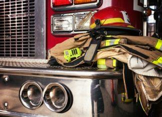 Bombeiros são profissionais responsáveis por atuar em situações de emergências e ações de prevenção social.