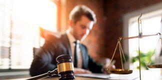 Juiz, Promotor e Delegado têm funções distintas. Entenda o que faz cada profissional!