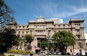 Prédio antigo na capital de São Paulo, ocupado pela sede do Tribunal de Justiça do Estado.