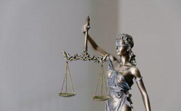 Maiores tribunais de justiça do mundo, concursos atraem milhares de concurseiros em provas de nível médio. Expectativa é retomada das provas ainda neste ano