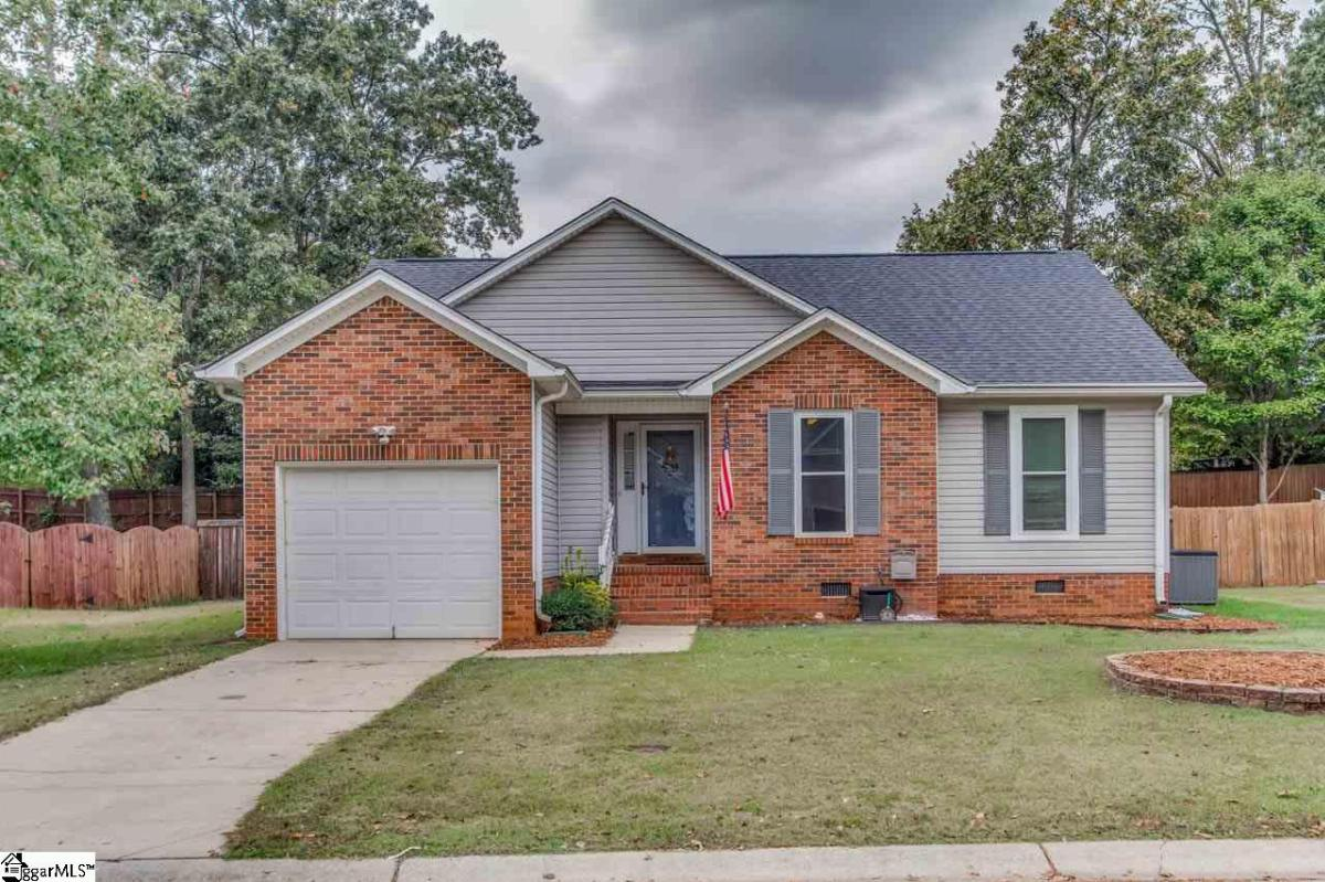 107 GOLDEN CREST Court