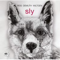 """Read """"Sly"""" reviewed by Alberto Bazzurro"""