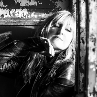 "Read ""Donna Lewis: Brand New Day"" reviewed by Ben Scholz"