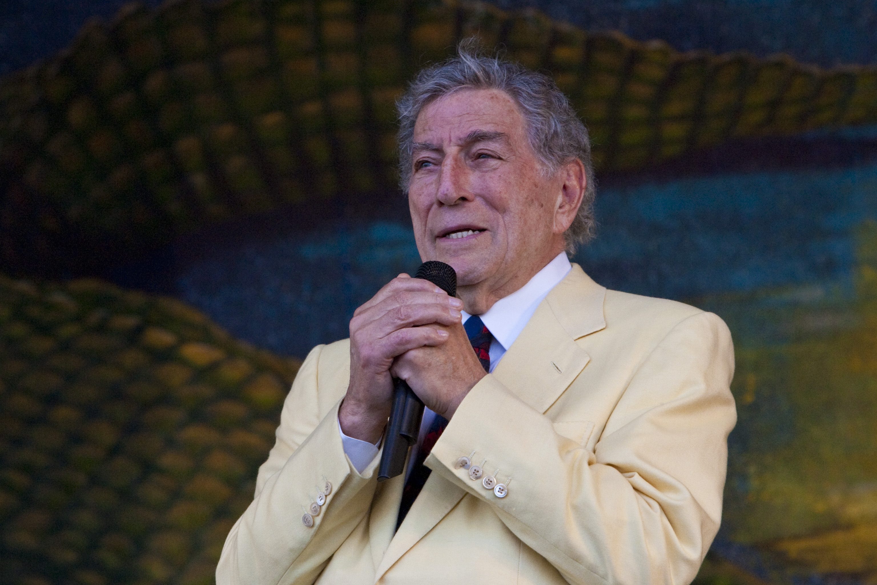 Tony Bennett at the 40th Anniversary New Orleans Jazz & Heritage Festival, USA
