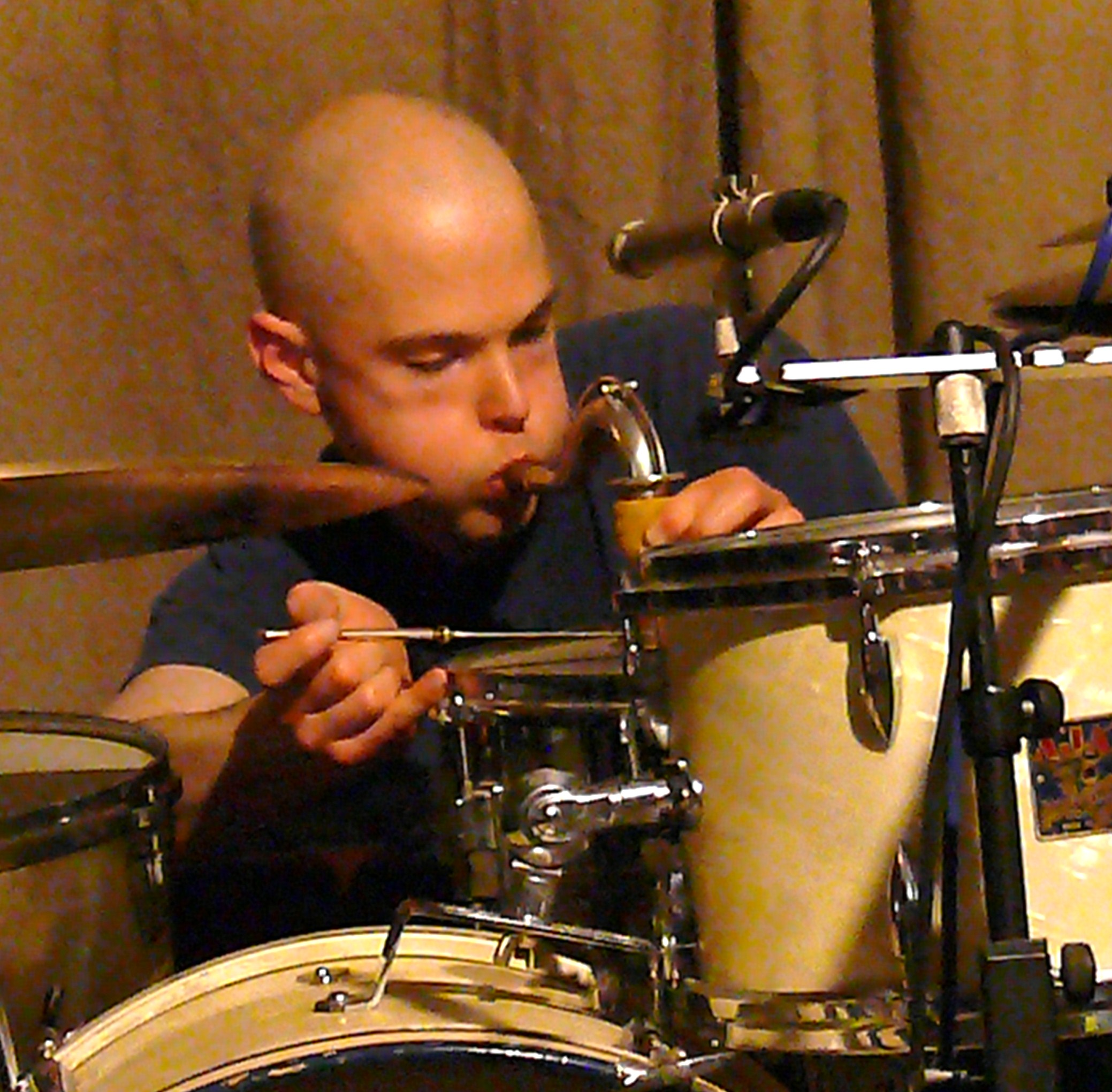 Chris Corsano at Cafe Oto March 2010