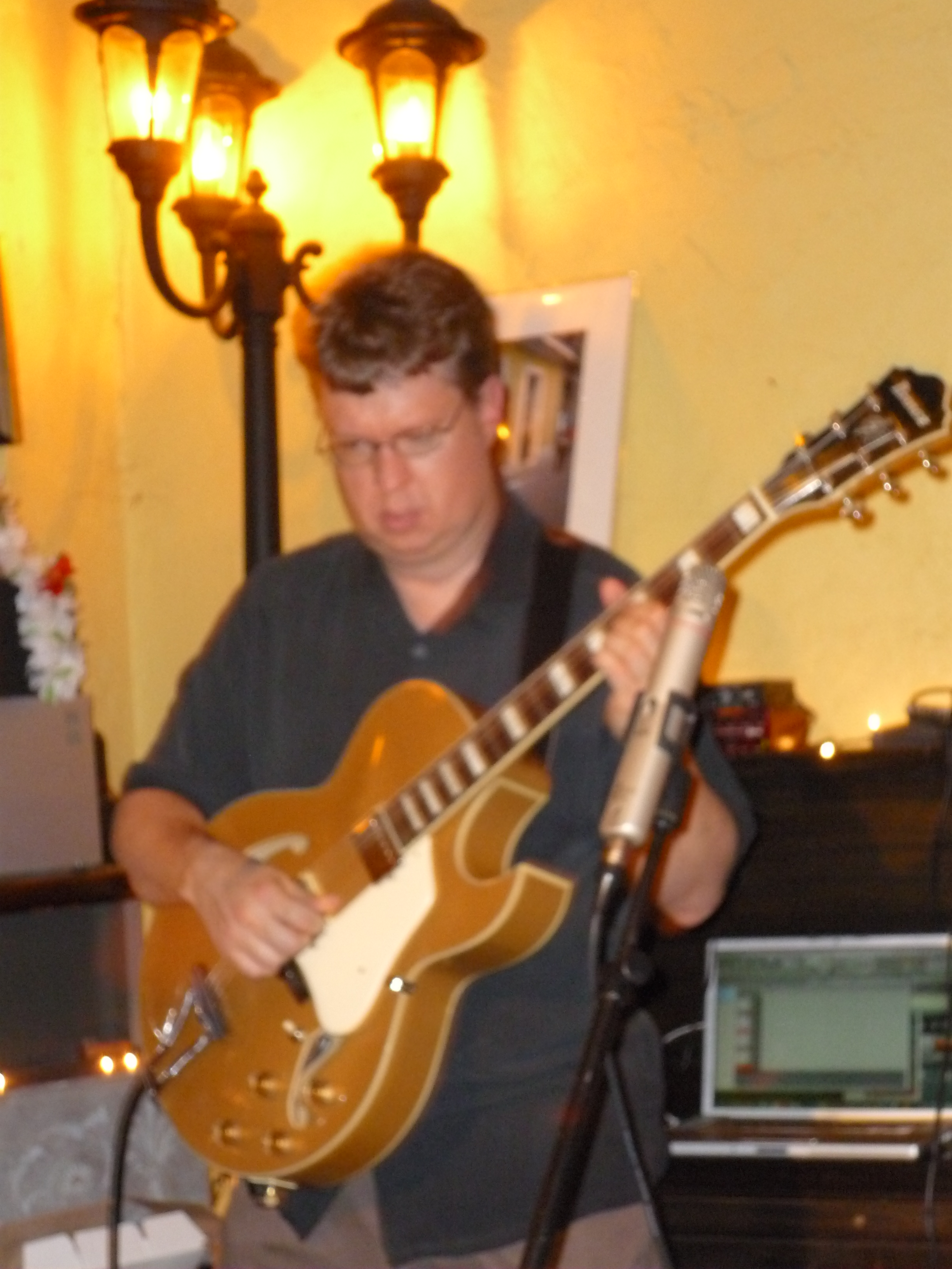 Duo Show with Guitarist Mike Doolin at Burdigala Wines in Portland, or May 2010