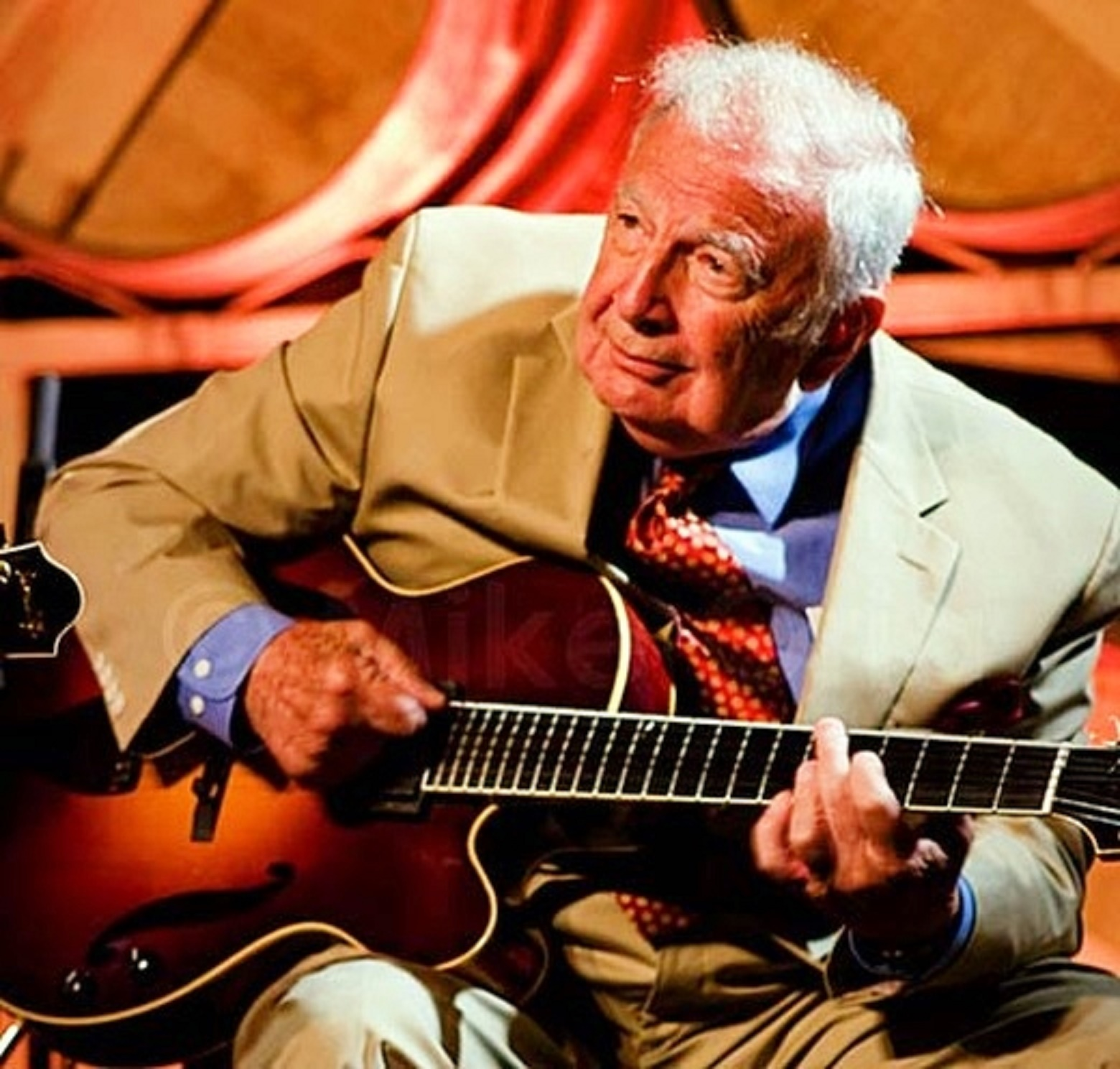 Bucky Pizzarelli with Benedetto Guitar