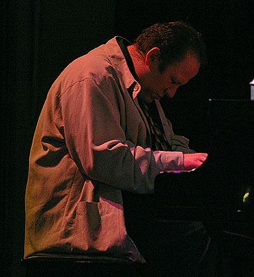 Robi Botos, Live@Courthouse, Toronto, 2007