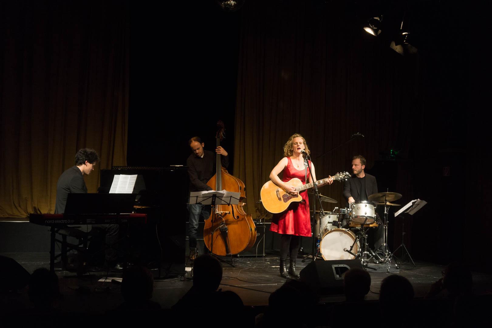 Claudia Vorbach & Band (live)
