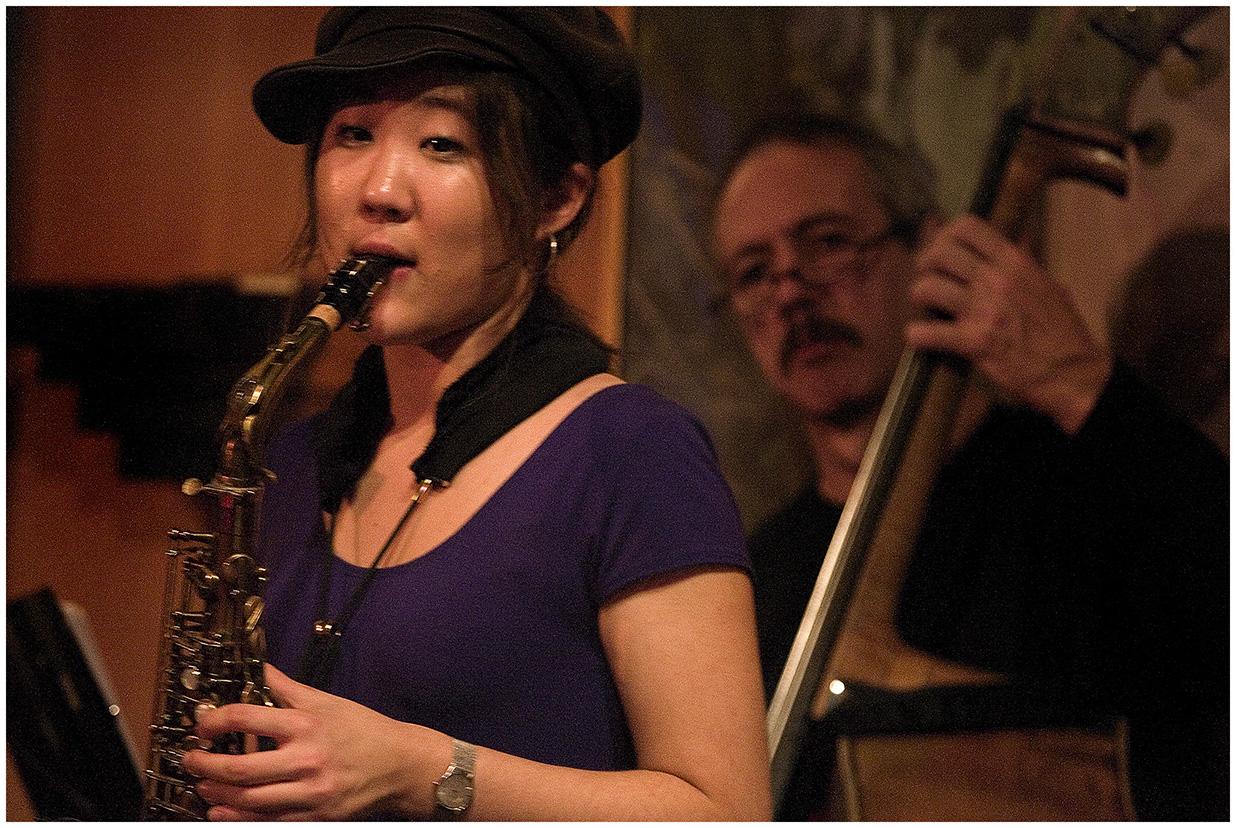 Grace Kelly Live at Chan's, Rhode Island, January 2008 with John Lockwood, Bass