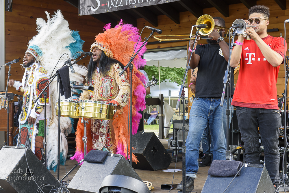 Cha Wa rocking the house with the sounds of NOLA